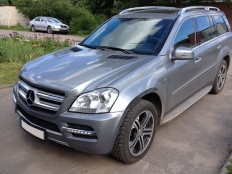 Mercedes-Benz GL, чистка фар.